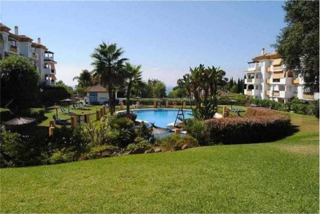 3 bedroom Penthouse for sale in Marbella with pool garage - € 350,000 (Ref: 3813760)