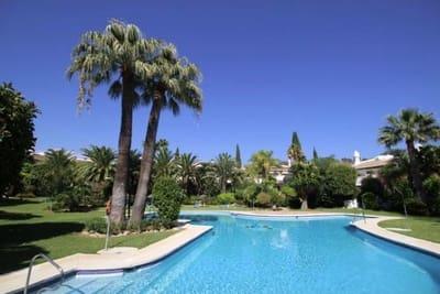 4 chambre Villa/Maison Semi-Mitoyenne à vendre à Bahia de Marbella avec piscine garage - 650 000 € (Ref: 3982496)