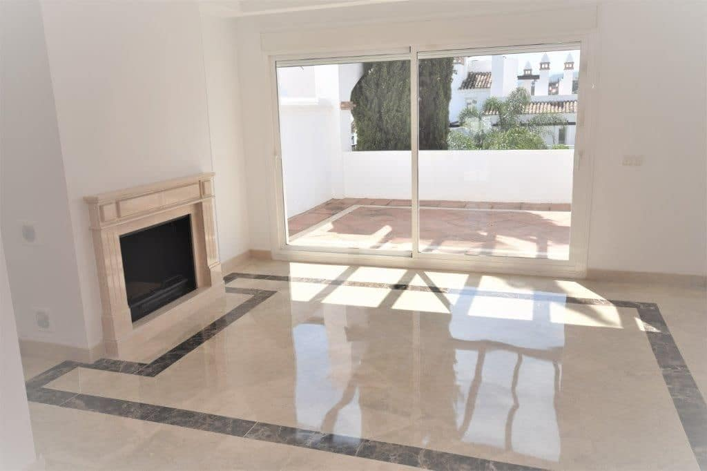 2 bedroom Apartment for rent in Marbella with pool garage - € 2,000 (Ref: 4018554)