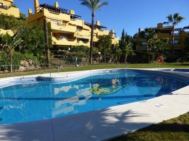 3 bedroom Semi-detached Villa for sale in Marbella with pool garage - € 520,000 (Ref: 4142709)