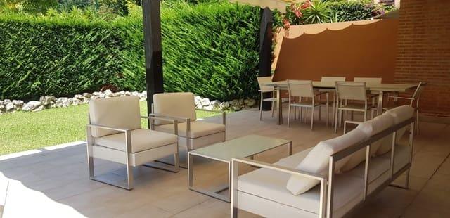 4 slaapkamer Halfvrijstaande villa te huur in Los Monteros met zwembad garage - € 2.700 (Ref: 5530705)