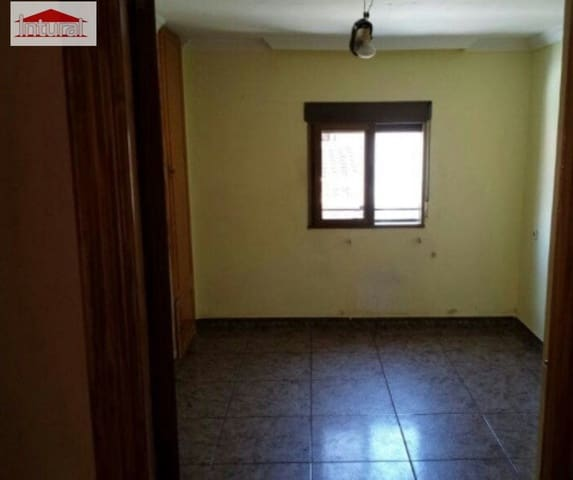3 Zimmer Reihenhaus zu verkaufen in San Pedro - 81.000 € (Ref: 5720439)