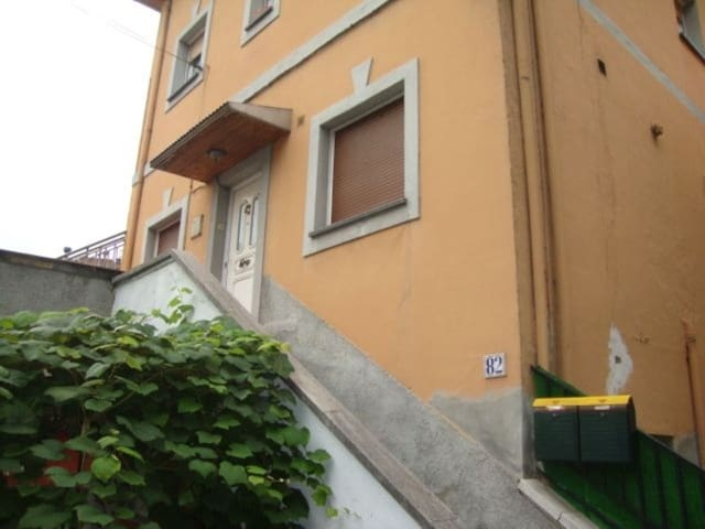 2 Zimmer Wohnung zu verkaufen in Mieres - 45.000 € (Ref: 5742110)