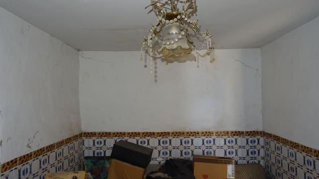 3 sovrum Hus till salu i Cordoba stad - 53 500 € (Ref: 5920696)