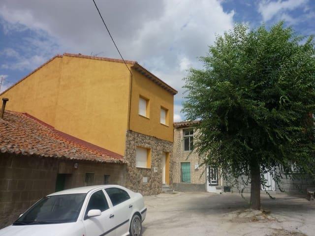 Chalet de 3 habitaciones en Santa Cruz de Pinares en venta - 89.000 € (Ref: 5934745)
