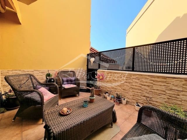 2 bedroom Townhouse for sale in Los Olivos with garage - € 189,000 (Ref: 6378858)
