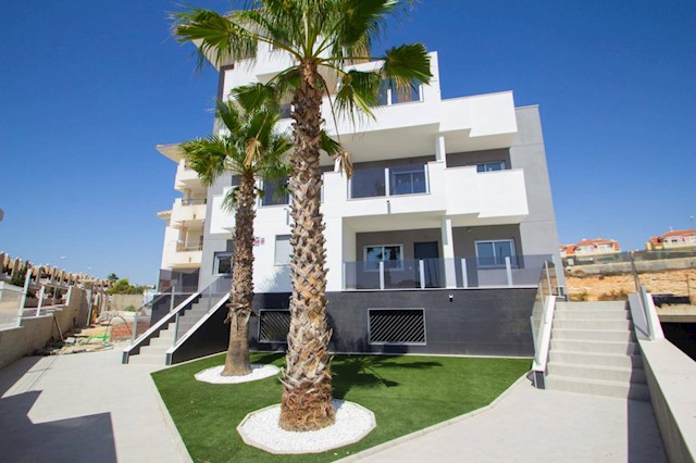 2 bedroom Apartment for sale in Blue Lagoon with garage - € 116,000 (Ref: 4025127)