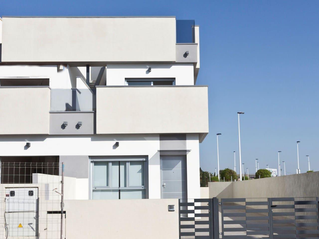 Casa de 3 habitaciones en Pilar de la Horadada en venta con piscina - 198.000 € (Ref: 4982778)