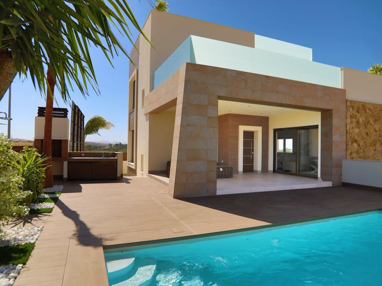 Chalet de 2 habitaciones en Benijófar en venta con piscina - 289.000 € (Ref: 4982935)