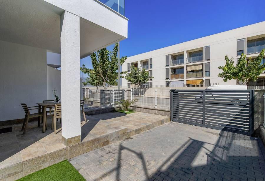 Bungalow de 1 habitación en Pilar de la Horadada en venta con piscina - 84.900 € (Ref: 5075340)