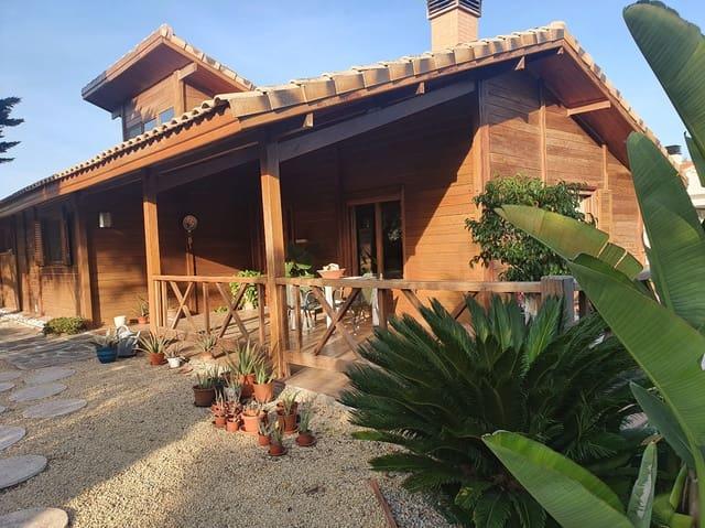 4 chambre Maison en Bois à vendre à Benidorm avec piscine garage - 390 000 € (Ref: 5854850)