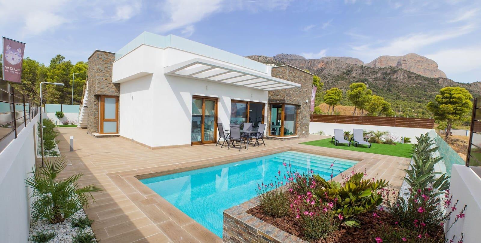 Chalet de 3 habitaciones en Polop en venta con piscina - 330.000 € (Ref: 4523370)
