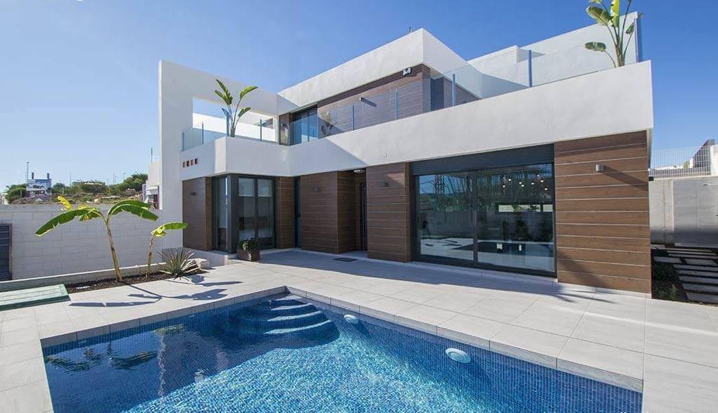Chalet de 3 habitaciones en Benijófar en venta - 285.000 € (Ref: 4567407)