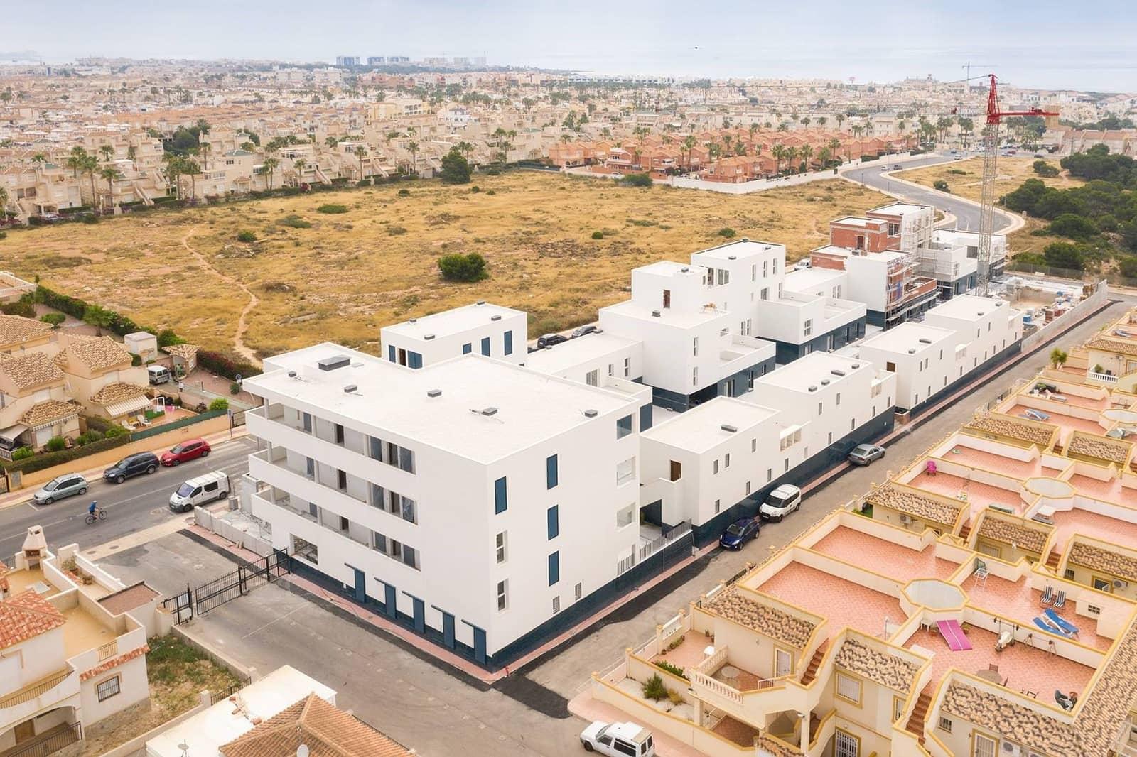 Apartamento de 2 habitaciones en Playa Flamenca en venta con piscina - 165.000 € (Ref: 4679737)
