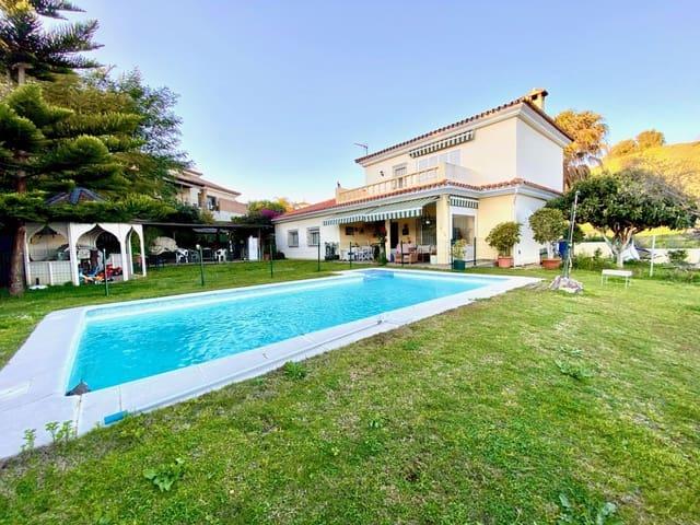 4 soverom Villa til leie i Pueblo Nuevo de Guadiaro med garasje - € 2 000 (Ref: 5325175)