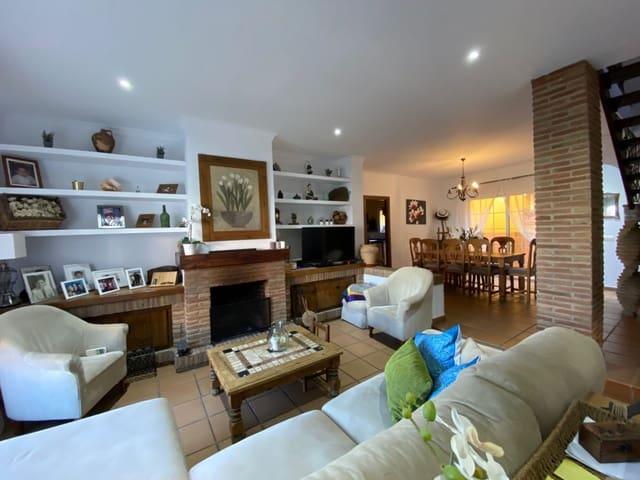 3 Zimmer Reihenhaus zu verkaufen in Pueblo Nuevo de Guadiaro mit Garage - 270.000 € (Ref: 5461145)