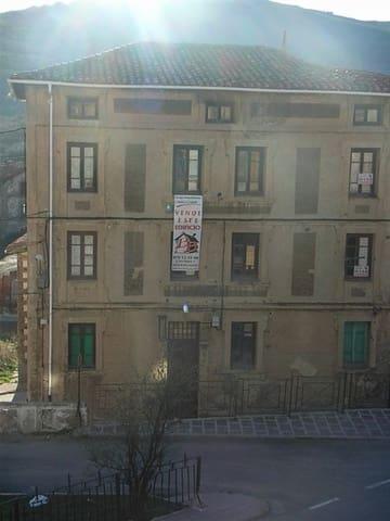 8 sovrum Företag till salu i Barruelo de Santullan - 58 000 € (Ref: 4688051)