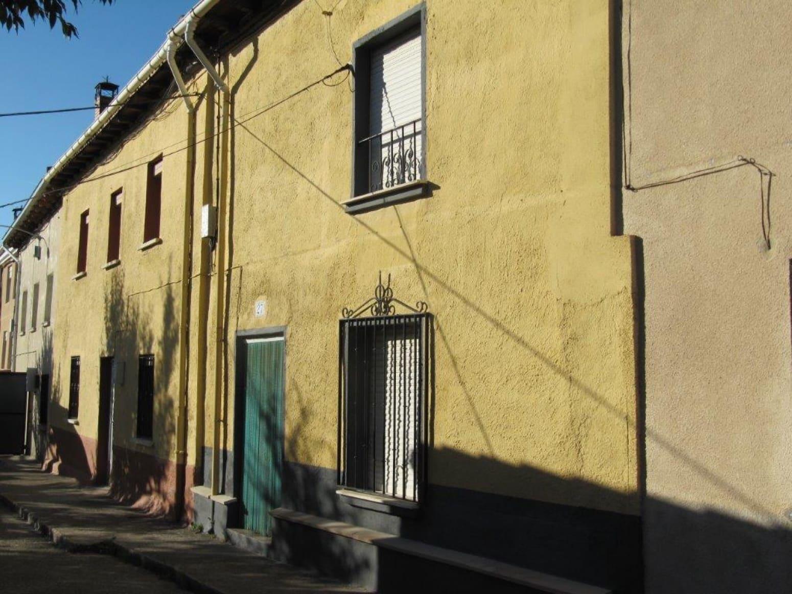 3 bedroom Terraced Villa for sale in Barruelo de Santullan - € 49,000 (Ref: 4688107)