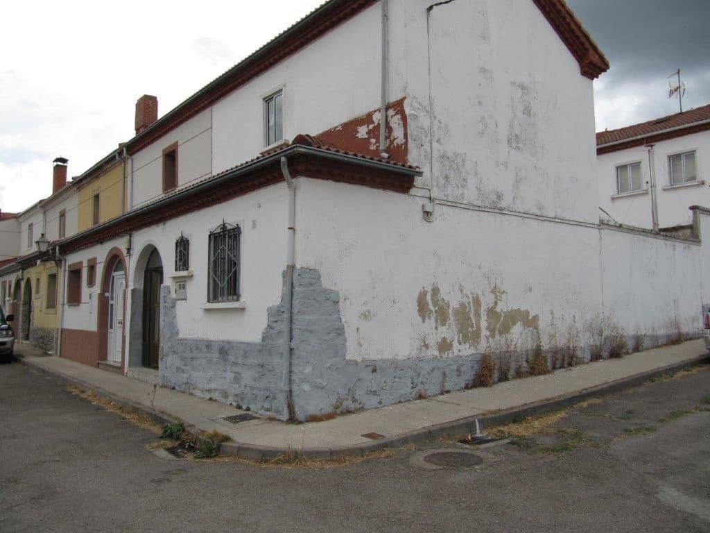 2 bedroom Terraced Villa for sale in Barruelo de Santullan - € 35,000 (Ref: 4688187)