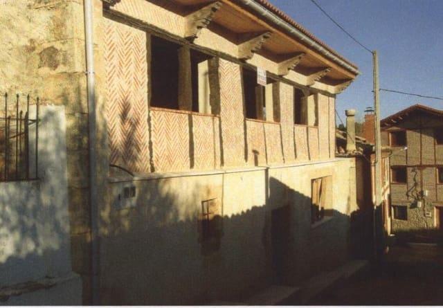 4 chambre Villa/Maison Mitoyenne à vendre à Pradanos de Ojeda - 36 000 € (Ref: 4688197)