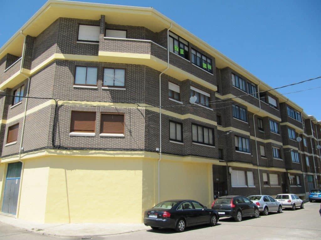 Piso de 3 habitaciones en Herrera de Pisuerga en venta - 58.000 € (Ref: 4688207)