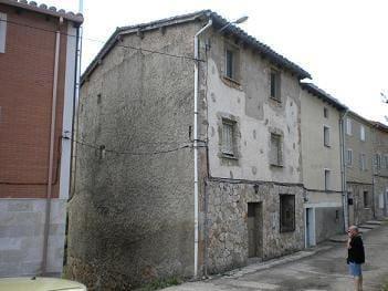 Adosado de 4 habitaciones en Villafranca Montes de Oca en venta - 48.000 € (Ref: 4688230)