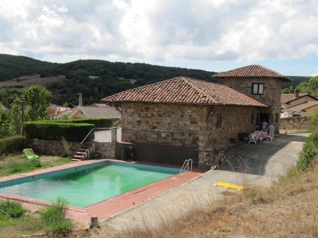 Adosado de 5 habitaciones en Cervera de Pisuerga en venta - 400.000 € (Ref: 4688310)