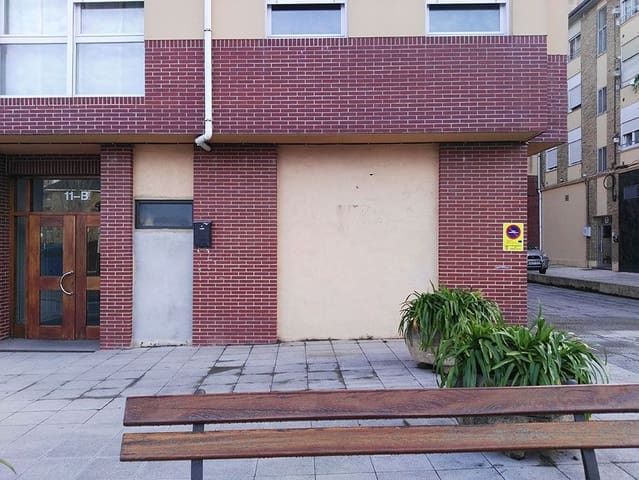 1 makuuhuone Kaupallinen vuokrattavana paikassa Torrelavega - 250 € (Ref: 4688324)
