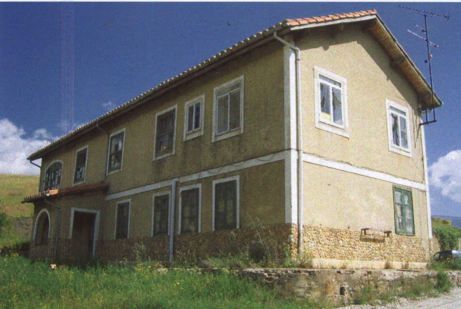 4 soveværelse Villa til salg i San Cebrian de Muda - € 75.000 (Ref: 4688378)