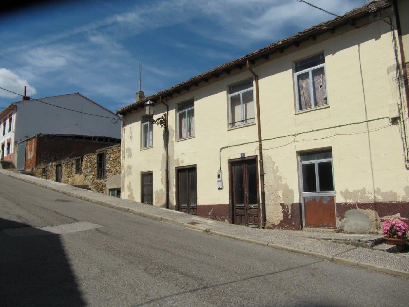 11 soveværelse Villa til salg i Cervera de Pisuerga - € 125.000 (Ref: 4688401)