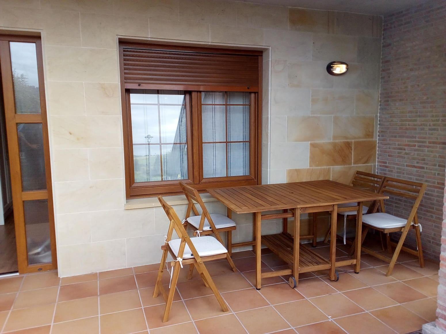 Adosado de 4 habitaciones en Viveda en venta - 230.000 € (Ref: 4688437)