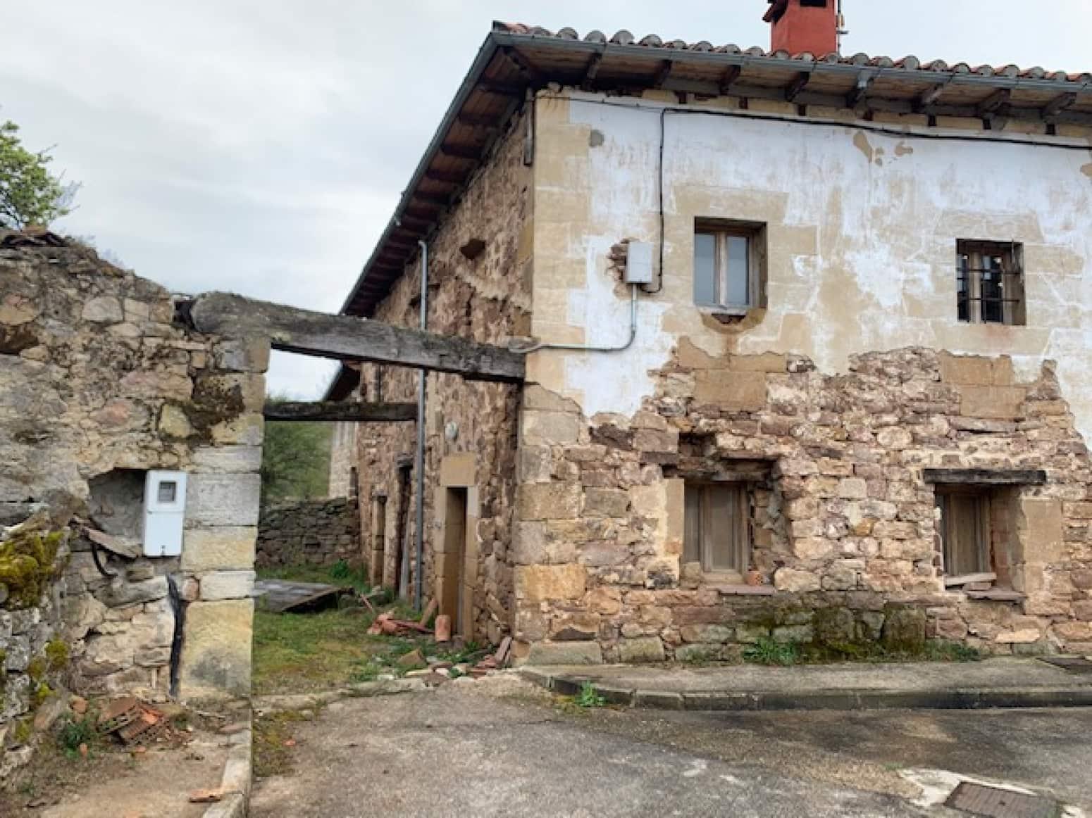 3 soveværelse Villa til salg i Aguilar de Campoo - € 60.000 (Ref: 4852557)