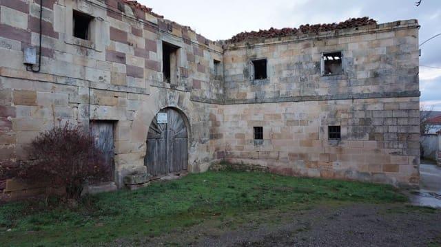 Adosado de 6 habitaciones en Barruelo de Santullán en venta - 90.000 € (Ref: 4852558)