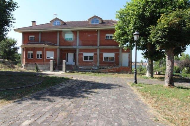 5 soveværelse Villa til salg i Branosera med garage - € 240.000 (Ref: 4852581)