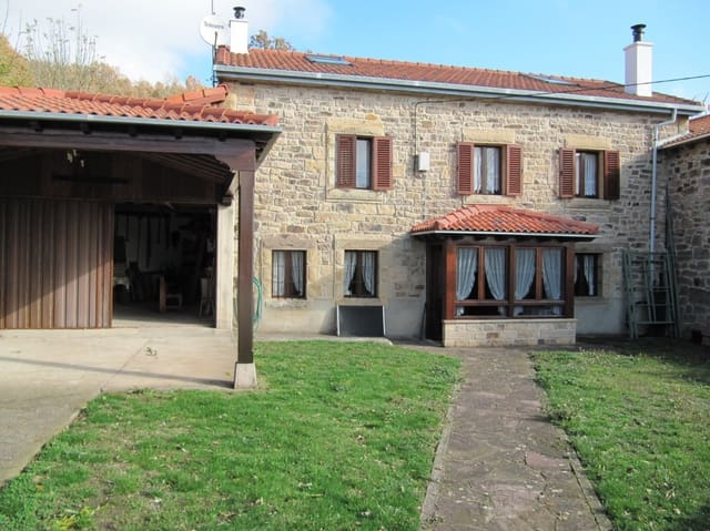 Adosado de 6 habitaciones en Valdeprado del Río en venta con garaje - 135.000 € (Ref: 4852644)