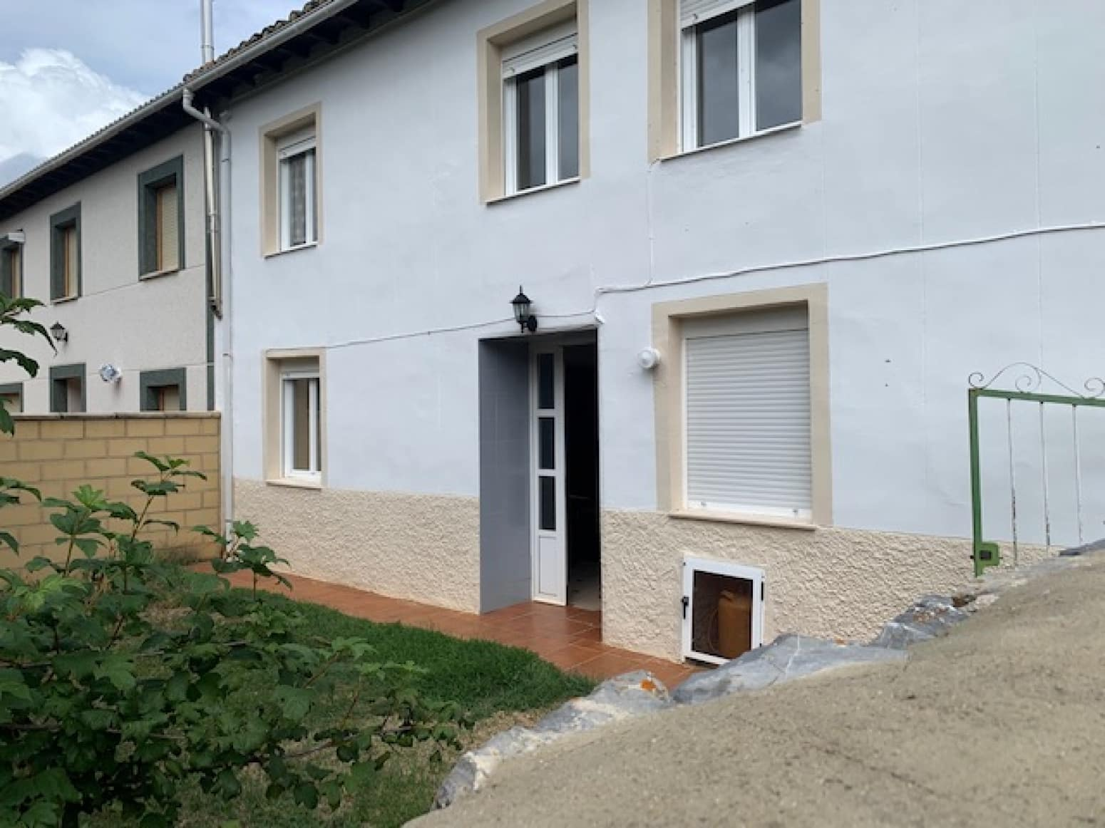 5 soveværelse Villa til salg i Cervera de Pisuerga med garage - € 70.000 (Ref: 4852659)