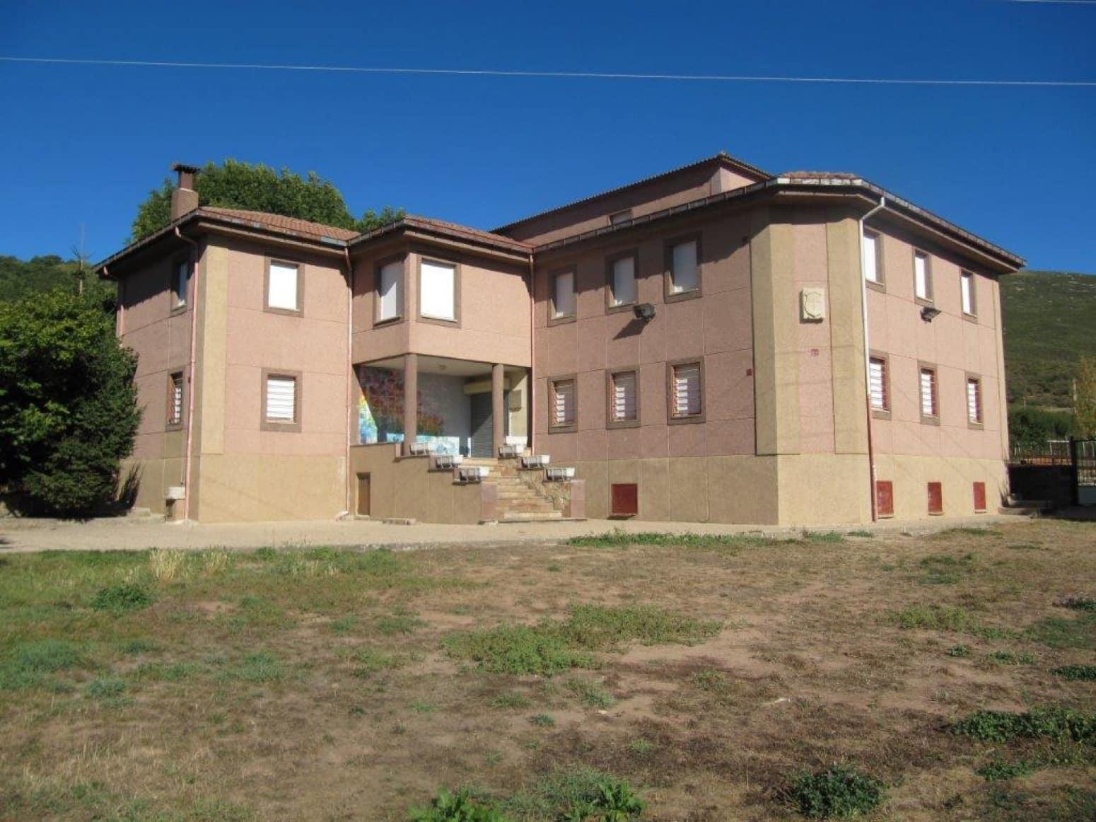 15 soveværelse Villa til salg i Branosera - € 240.000 (Ref: 4852683)