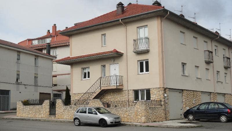 Adosado de 5 habitaciones en Nestares en venta - 279.000 € (Ref: 5417608)