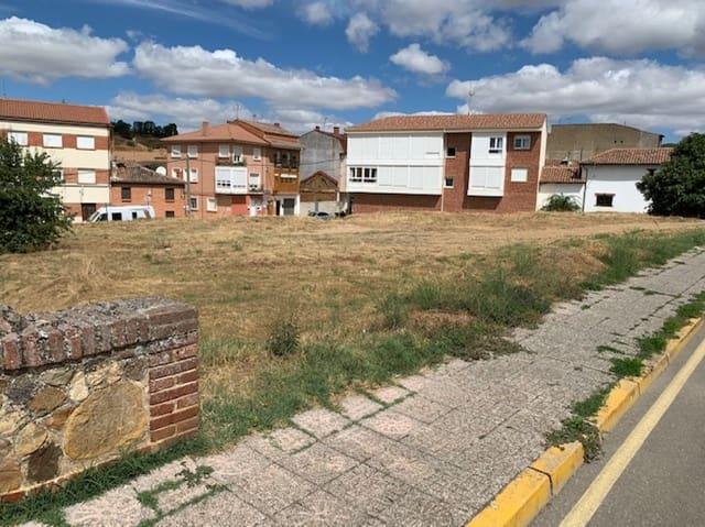 Terrain à Bâtir à vendre à Saldana - 400 000 € (Ref: 5510825)