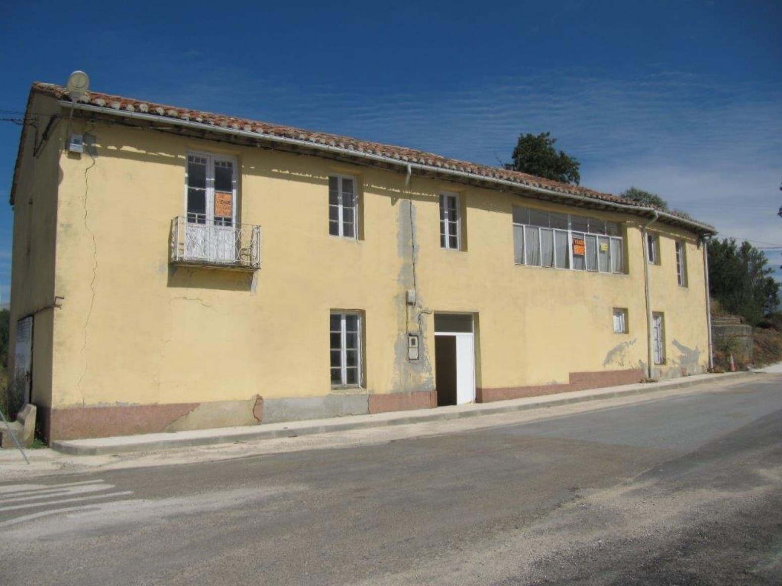 8 sypialnia Willa na sprzedaż w Respenda de la Pena z garażem - 25 000 € (Ref: 5513166)