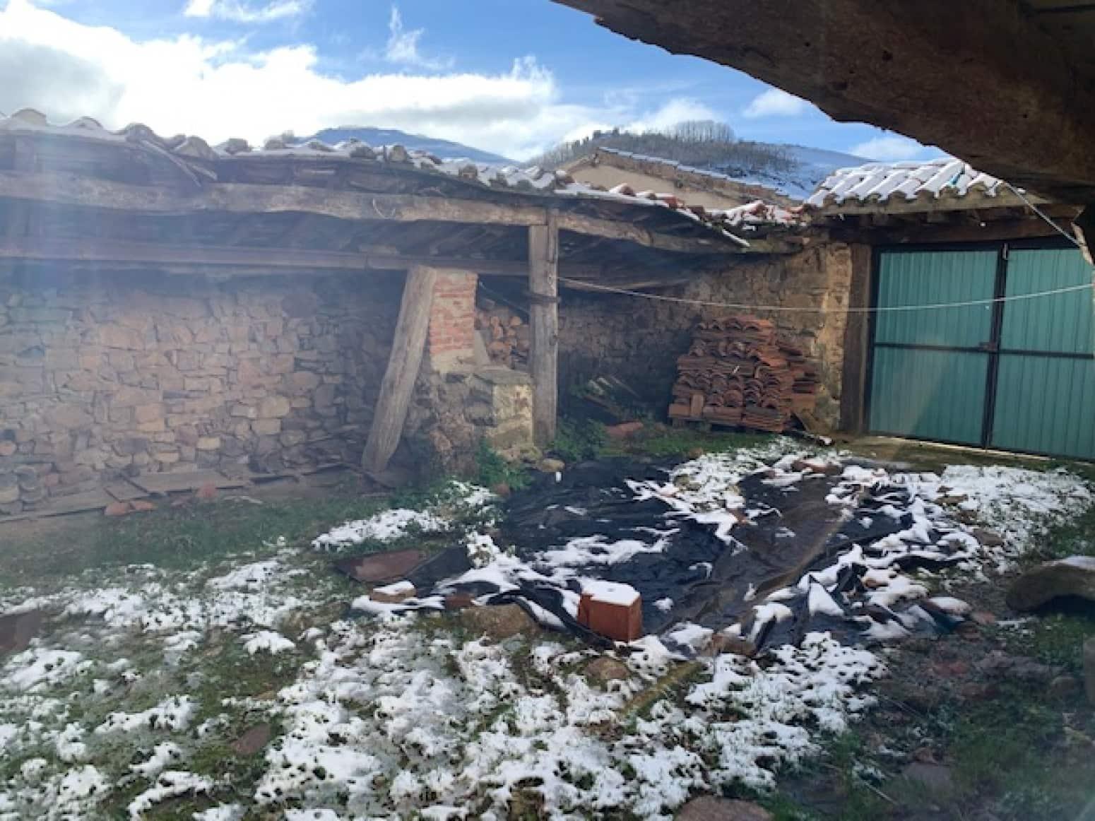 2 soveværelse Villa til salg i San Cebrian de Muda med garage - € 75.000 (Ref: 5847473)