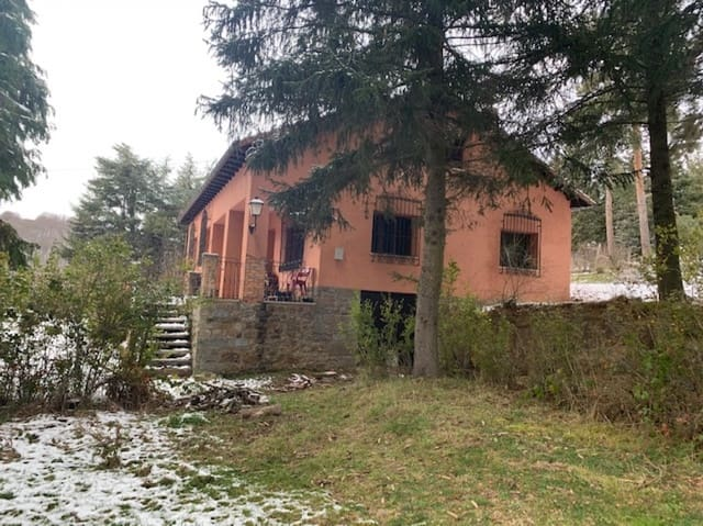 Adosado de 5 habitaciones en La Pernía en venta con garaje - 198.000 € (Ref: 5894500)