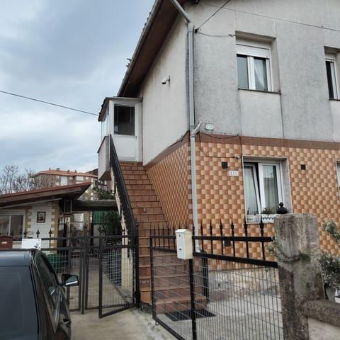 2 soveværelse Rækkehus til salg i Torrelavega - € 76.000 (Ref: 5925649)