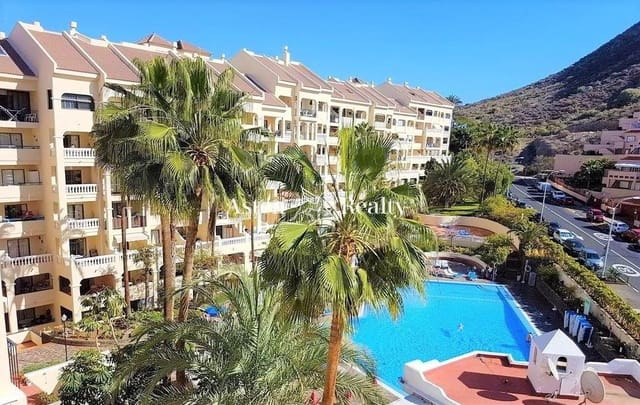 Loft for sale in Los Cristianos with pool - € 126,000 (Ref: 5764576)