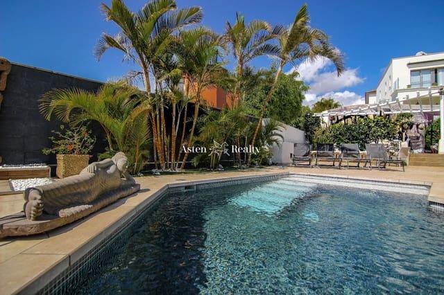 3 sypialnia Dom na sprzedaż w Chayofa z basenem garażem - 860 000 € (Ref: 6015987)