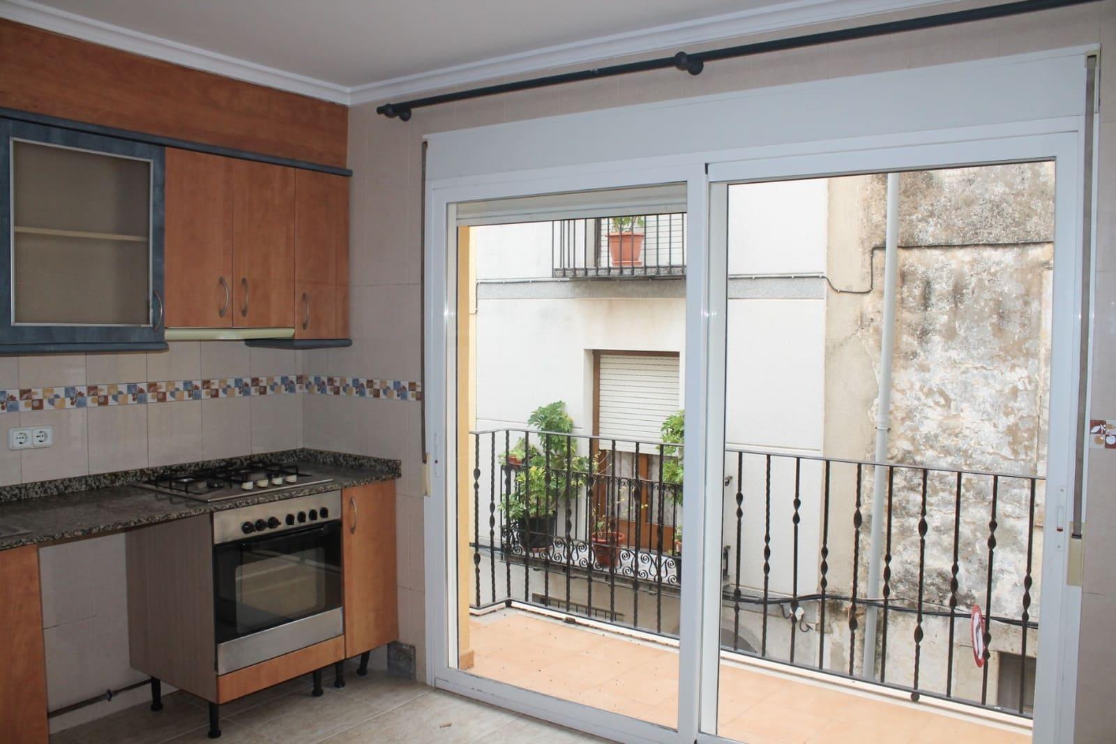Casa de 4 habitaciones en Càlig en venta con garaje - 120.000 € (Ref: 5058082)