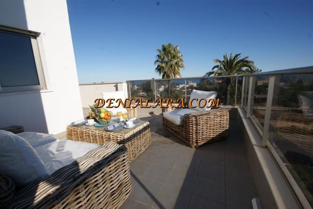 Ático de 3 habitaciones en Dénia en alquiler vacacional con piscina garaje - 700 € (Ref: 4562230)