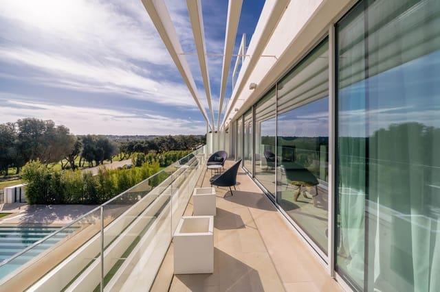 3 sovrum Semi-fristående Villa till salu i Sotogrande med pool - 410 000 € (Ref: 4001263)