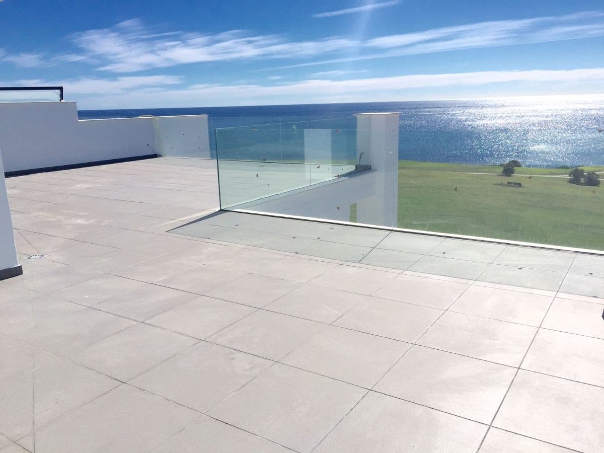 2 soverom Penthouse til salgs i La Alcaidesa med svømmebasseng garasje - € 445 000 (Ref: 4687180)