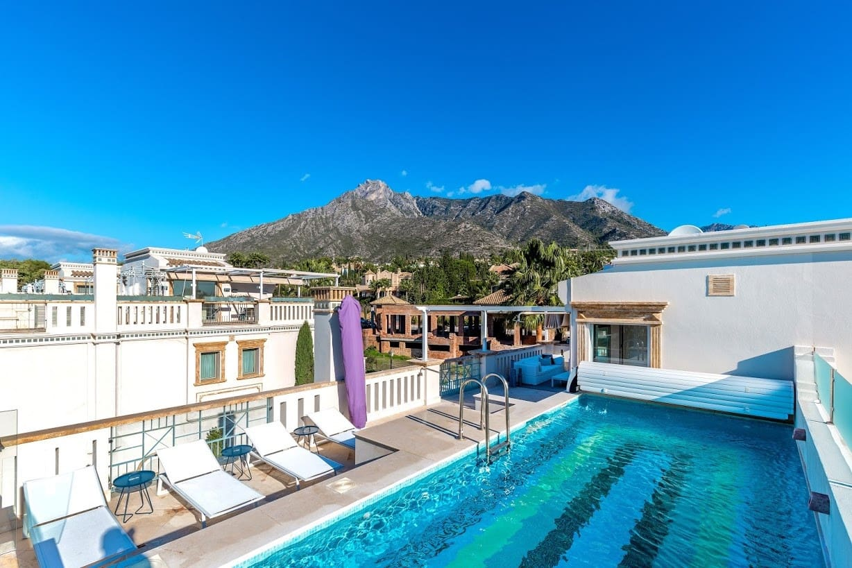 5 bedroom Semi-detached Villa for sale in Marbella with pool garage - € 1,995,000 (Ref: 4760410)